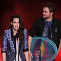Kristen Stewart dan Robert Pattinson di Teen Choice Awards 2012