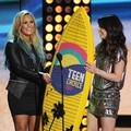 Demi Lovato dan Miranda Cosgrove di Teen Choice Awards 2012