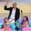 Rosie McClelland, Ellen DeGeneres dan Sophia Brownlee di Teen Choice Awards 2012