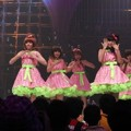 Penampilan Cherry Belle di Hut Global TV ke-10