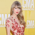Taylor Swift di Red Carpet CMA Awards 2012