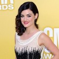 Lucy Hale di Red Carpet CMA Awards 2012