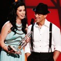 Thompson Square raih Piala Vocal Duo of the Year