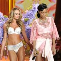 Penampilan Rihanna di Victoria's Secret Fashion Show 2012