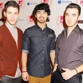 Jonas Brothers di Red Carpet MTV EMA 2012