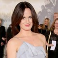 Elizabeth Reaser di Black Carpet Premiere 'Breaking Dawn 2'