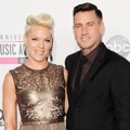 Pink dan Carey Hart di Red Carpet AMAs 2012