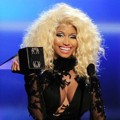 Nicki Minaj Terima Piala Favorite Rap/Hip-Hop Artist