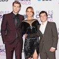 Liam Hemsworth, Jennifer Lawrence dan Josh Hutcherson di Ajang People's Choice Awards 2013