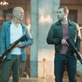Aksi Bruce Willis dan Jai Courtney di Film 'A Good Day to Die Hard'