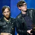 The Black Keys Raih Piala Best Rock Performance