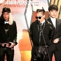 Big Bang Terima Piala Album of The Year Kuartal 1