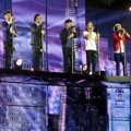Penampilan One Direction di Konser Tur 'Take Me Home'