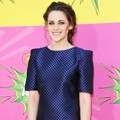 Kristen Stewart di Orange Carpet Kids Choice Awards 2013