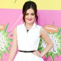 Lucy Hale di Orange Carpet Kids Choice Awards 2013