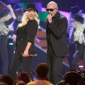 Duet Christina Aguilera dan Pitbull Meriahkan Kids Choice Awards 2013