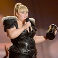 Rebel Wilson Raih Piala Breakthrough Performance