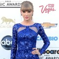 Taylor Swift di Blue Carpet Billboard Music Awards 2013