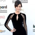 Emmy Rossum di Blue Carpet Billboard Music Awards 2013