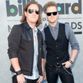 Florida Georgia Line di Blue Carpet Billboard Music Awards 2013