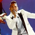 Penampilan Miguel di Billboard Music Awards 2013