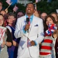 Nick Cannon Saat Menjadi Host Macy's Fourth of July Fireworks Spectacular