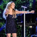 Mariah Carey Meriahkan Macy's Fourth of July Fireworks Spectacular