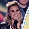 Demi Lovato Raih Choice Female Artist