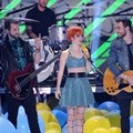 Penampilan Paramore di Teen Choice Awards 2013