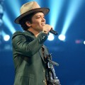 Bruno Mars Raih Penghargaan Best Male Video