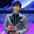 Kim Dong Wan Shinhwa Raih Piala Excellence Actor