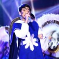 Iqbal Coboy Junior dengan Kostum Ala 'The Three Musketeers'
