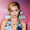 Miley Cyrus di Red Carpet MTV EMAs 2013