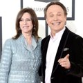 Billy Crystal dan Janice Crystal di Red Carpet Grammy Awards 2014