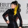 Lily Allen di Red Carpet BRIT Awards 2014