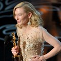 Cate Blanchett Raih Piala Best Actress in a Leading Role