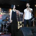 Duet Astrid dan Kaka Slank di Konser 'An Evening to Share + Care with Slank'