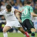 Duel Xabi Alonso vs Julian Draxler