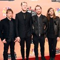Imagine Dragons di Red Carpet iHeartRadio Music Awards 2014
