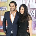 Reza Rahadian dan Pevita Pearce di Red Carpet Indonesian Movie Awards 2014
