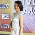 Tika Bravani di Red Carpet Indonesian Movie Awards 2014