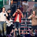 Kolaborasi Luke Bryan dan Florida Georgia Line di Billboard Music Awards 2014