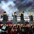 EXO-K Saat Nyanyikan 'Growl' di Hallyu Dream Festival 2014