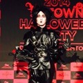 Key SHINee Kenakan Kostum Edward Scissorhands di Pesta Halloween SM Entertainment