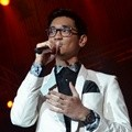 Afgan Menyanyikan Lagu 'Since I Found You'