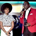 Randy Jackson Berikan Piala Hollywood Best Song pada Janelle Monae