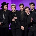 One Direction Raih Penghargaan Artist of the Year