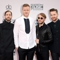 Imagine Dragons Hadiri American Music Awards 2014