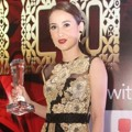 Julie Estelle Raih Piala Best Celebrity Actrees