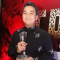Billy Syahputra Raih Piala Favourite Newcomer Celebrity